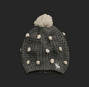 cheap Abercrombie Winter cap, Lacoste solid color polo shirt, nike shoes